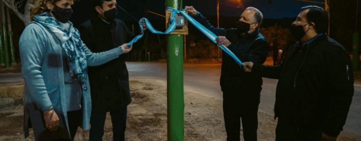 En el marco de mes aniversario, inauguraron semáforos nuevos en un importante cruce en Pocito